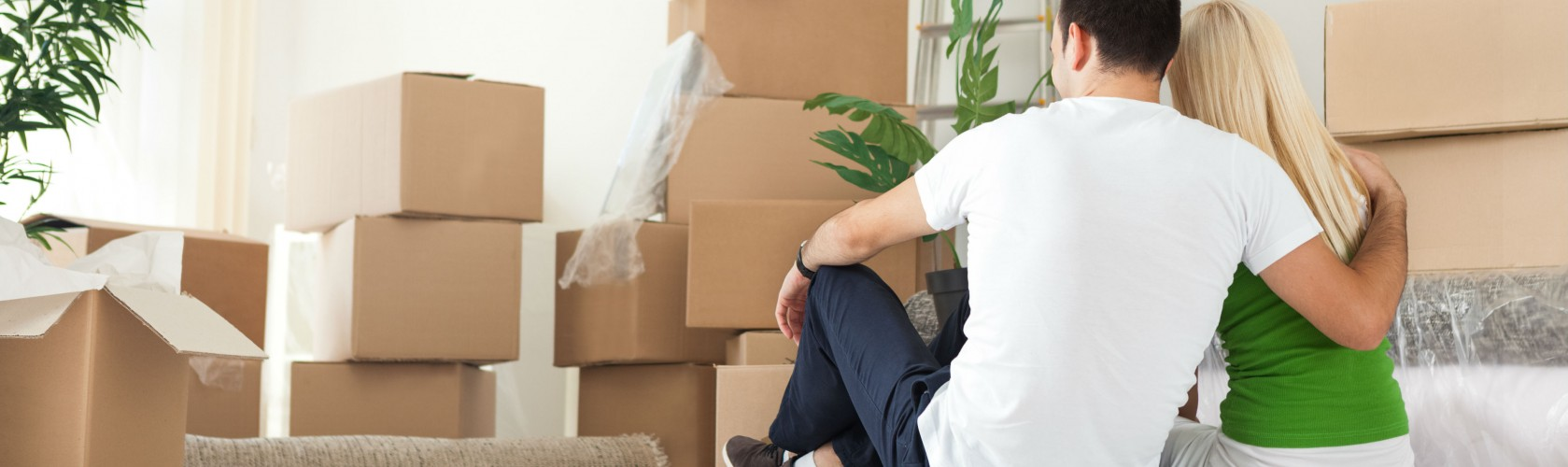 couple_moving_home